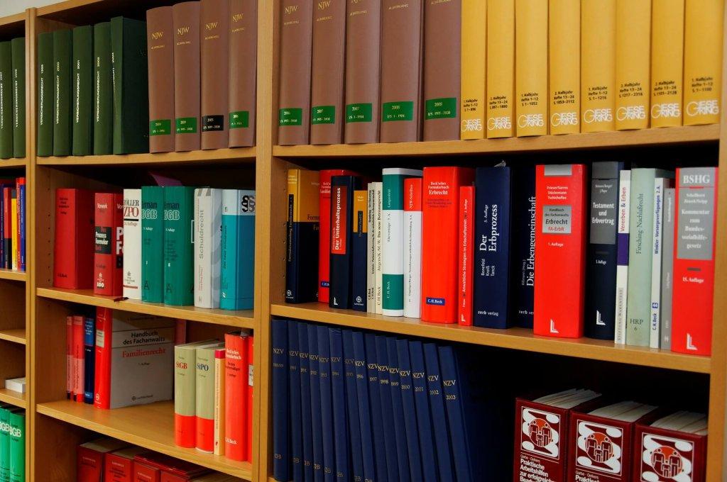 Satzungen Gesetze